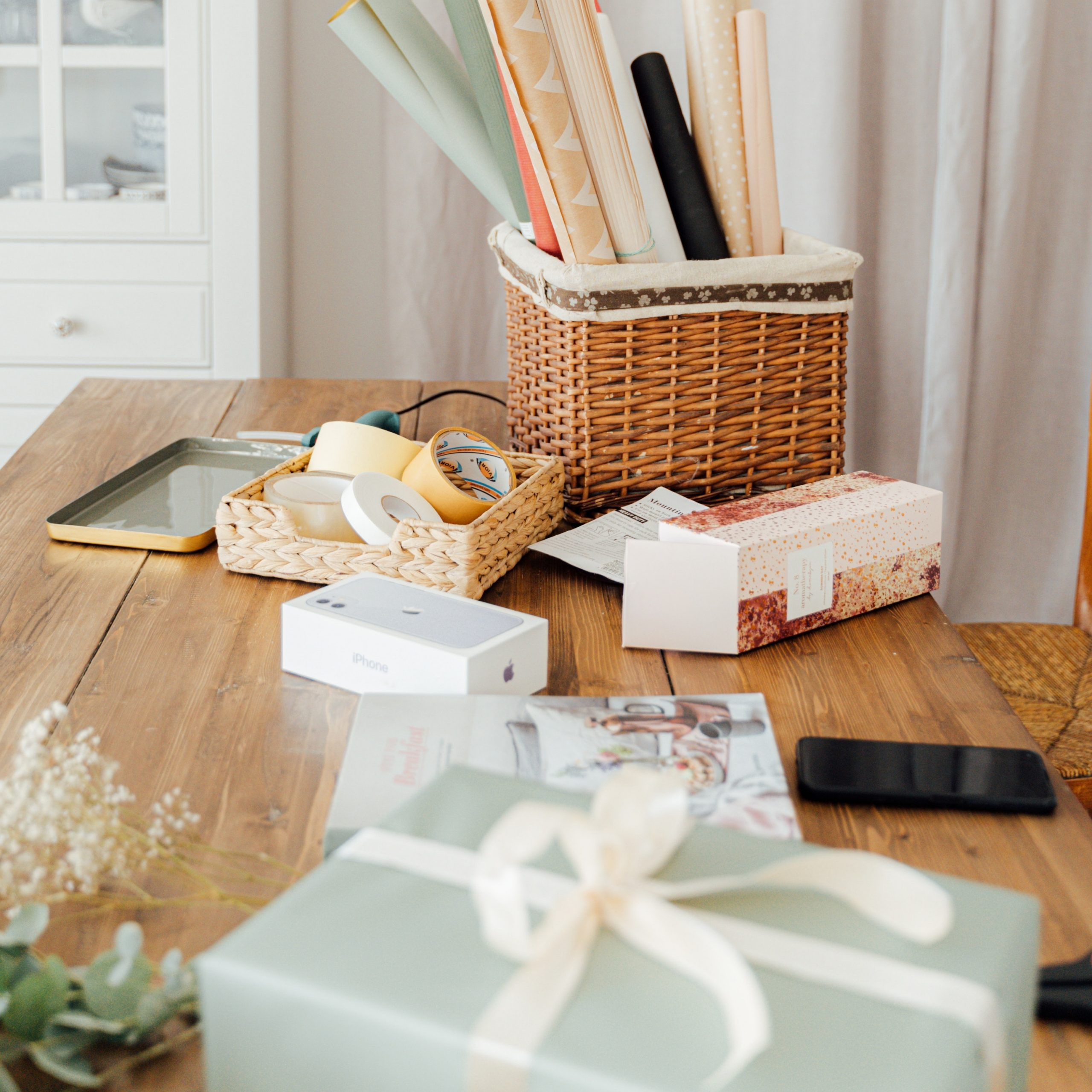 Gifts and Giftwrap